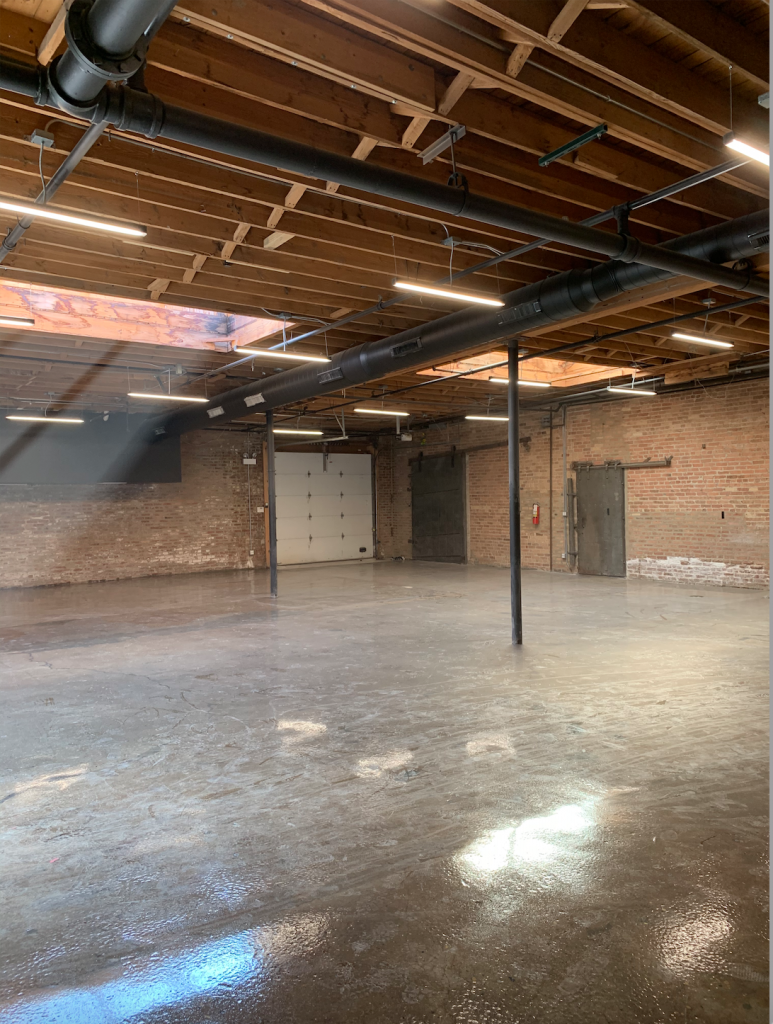 Large 1st Floor Natural Daylight Studio – Easy Garage Load In – Heart of West Town